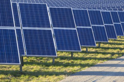 Oxfordshire gears-up for COP26: Construction contract signed for the UK's largest community-owned solar park